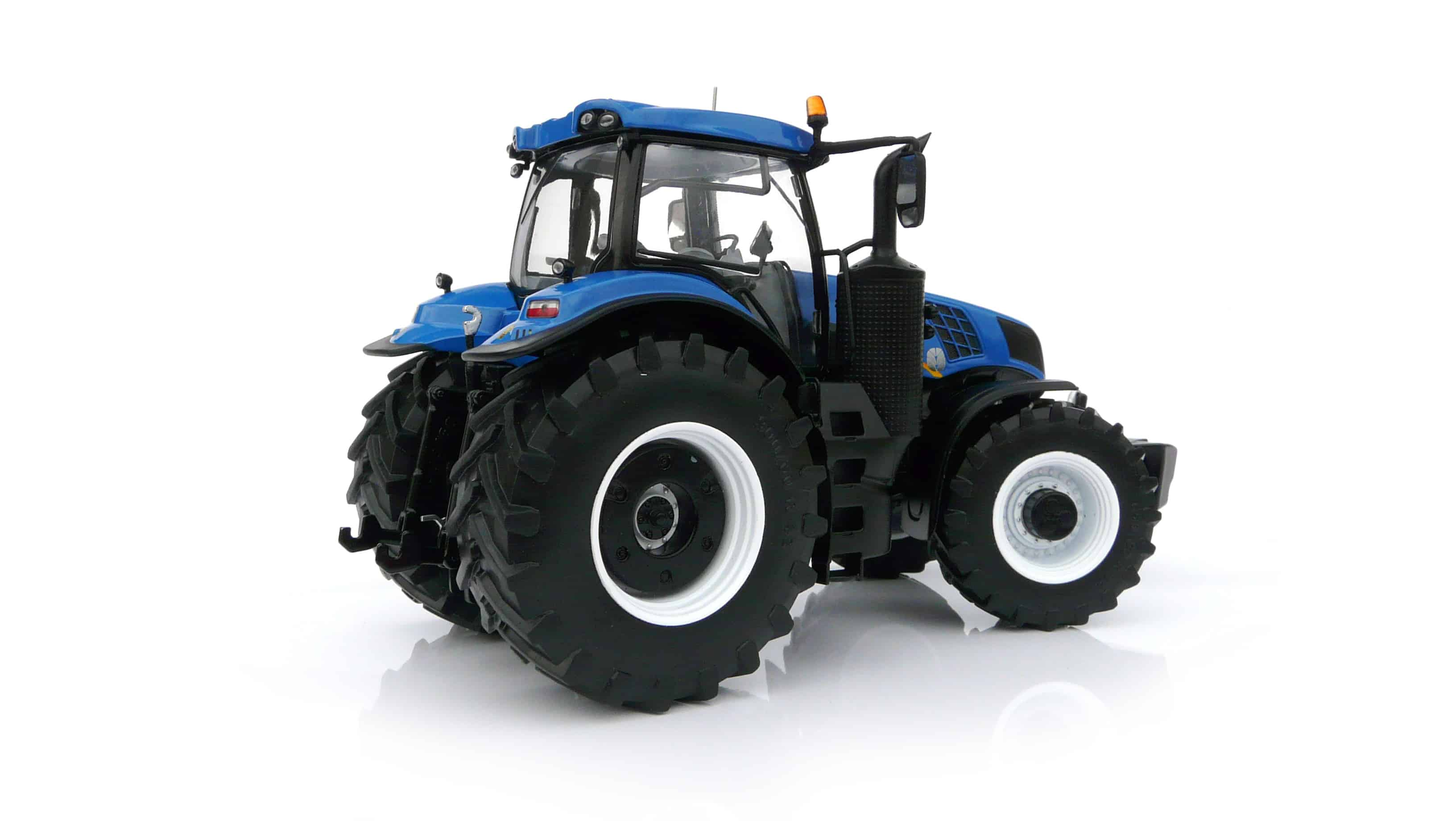 Marge models 1704 New Holland t8.435 Blue 1//32